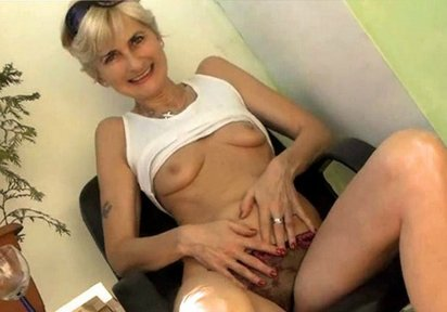 kleine brüste